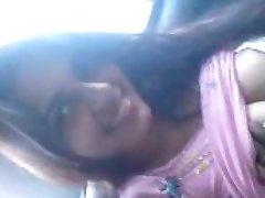 Vroče Indijski College Girl Piha BF Notranjosti Avtomobila