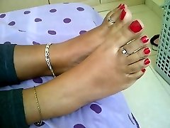 nubile indian feet