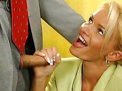 Nicoletta Blue-Sekretārs fucked Birojs