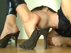 Polish Feet in Face