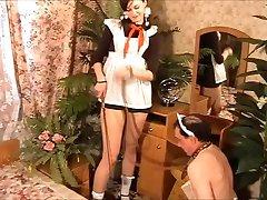 Kıç yalayıcı onunla bir hizmetçi köle