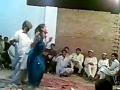 Afghani elder guy funny sexy dance with molten shemale Ghazala