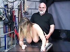 Busty köle Efendi' onu berbat;işkence odasında horoz s