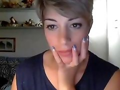 Very splendid short hair girl CAM