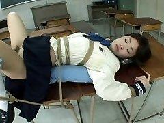JP Liseli kız analfuck