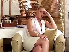 Virtual quickie with a beautiful assistant