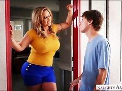 거대한 가슴 섹시한중년여성 Eva Notty 하는 방법을 알고 타격이 강한 수탉