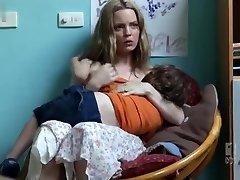 Melissa George,Katherine Halliday dans La Gifle[TV] (2011)