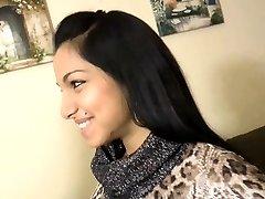 인도 귀여운 소녀의 첫 번째 시간 your-cams.com