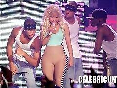 Ébène Celeb Nicki Minaj Exposés Seins Juteux Et Éjaculation Selfie