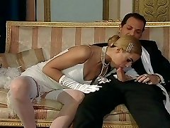 Italian blondie diva has glamorous sex