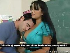 Okulda Busty esmer öğretmen bir deprem geçiyor
