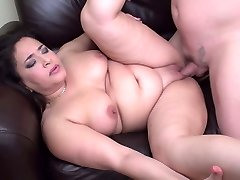 Lush mom suck and fuck lucky daddy