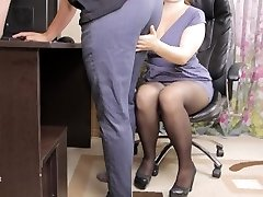 Teen lady boss lured her employee and gave him jizm in panties