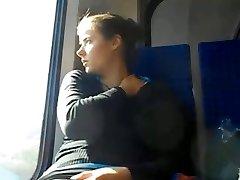 기차 UPSKIRT