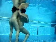 Hidden sex cam clip shows 2 lovers shagging
