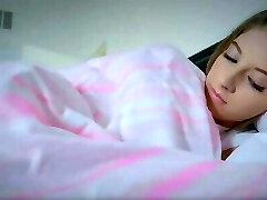 karım uyurken üvey kızımı sikerim