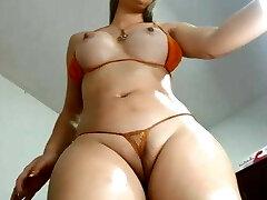 SEXY CURVY GIRL