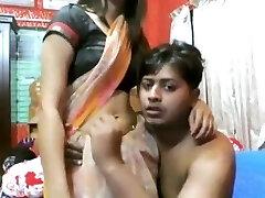 sexy indienne fille mature baiser par un assho**(chuti**)