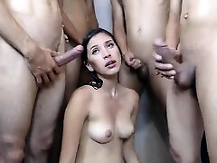 le sexe en groupe et de bukkake