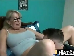 maman baise fils