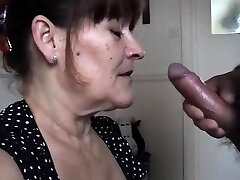 Mature wifey takes a huge oral cream pied