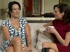 어머니하고 싶 섹스,그리고 그녀의 Lesbo 동맹
