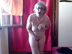 Mommy Loves to Walk all Day with a Vibrator in Her Cunt-webcam
