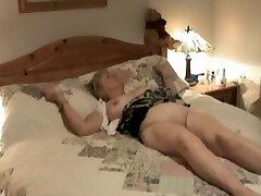Κρυφή κάμερα δείχνει ώριμη αντιμετωπίζονται με το στοματικό σεξ