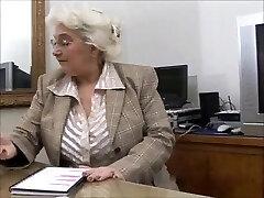 Μεγάλο Titts Γιαγιά