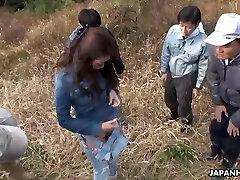 Ιαπωνικά αγρότης κορίτσι, Maki Χόγιο είχε ομαδικό σεξ σε εξωτερικούς χώρους, unce