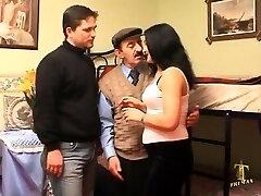 Τουρκικά ο Μπαμπάς με τον Γιο τους, γάμα τους συζύγους γιο