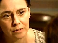 Διασημότητα Έφηβος Ηθοποιός για Πρώτη φορά Γυμνή ερωτική σκηνή στην ΤΗΛΕΌΡΑΣΗ Δράμα