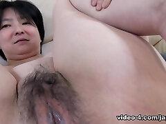 Κοκαλιάρικο Ιαπωνικό Κούγκαρ Υποτάσσεται Στο Cock-JapanLust