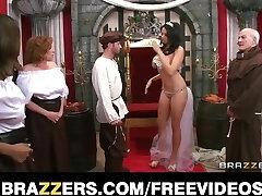 Η βασίλισσα λαμβάνει αλιεύονται εξαπάτηση και τιμωρείται με χοντρό-se