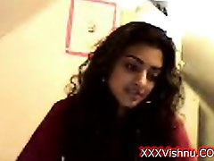 Sey νεαρό Ινδική παιδί της webcam