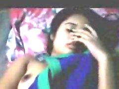 ντροπαλός ινδική Ξανθιά κοπέλα με το φίλο της