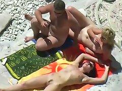 Παραλία Γυμνιστών - Τρία Ζευγάρια
