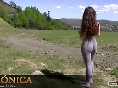 Hot amateur teenie showcases her cameltoe off