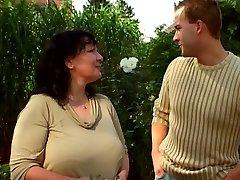 Κήπος της γιαγιάς και νεότερος 03