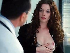 Η Anne Hathaway,η Χριστίνα Fandino,Τζο Νιούμαν,Κάθριν Γουίνικ στην Αγάπη Και Άλλα Ναρκωτικά (2010)
