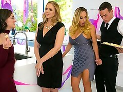 Julia Ann & Olivia Austin & Justin Hunt in My Stepmoms Social Bar - BrazzersNetwork