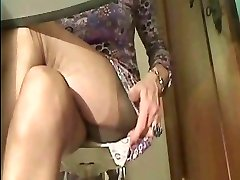 Super sexy Pantyhose legs in cam 1!!!