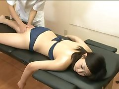 Handsome Asian minx enjoys erotic massage