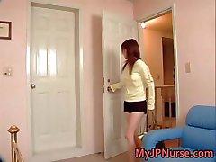 Aki Yatoh Belle asiatique infirmière promenades part5