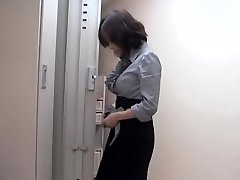 Naughty asian slut fucked by massagist in sexy voyeur video