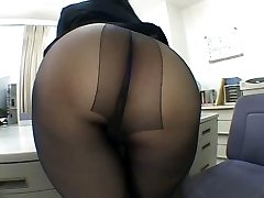 One of the finest panty hose worship episodes EVER!