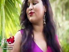 Desi sexy bhabi steaming photoshoot