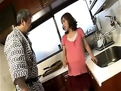 Insatiable knocked up housewife gives blowjob