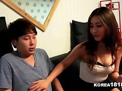 KOREA1818.COM - Lucky Virgin Humps Super-fucking-hot Korean Babe!